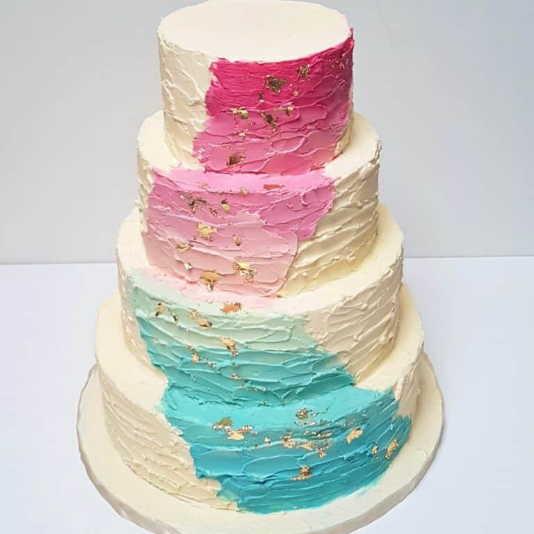 4laags gender reveal taart met kleurverloop
