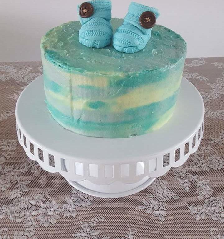 Blue buttercream babyshower cake