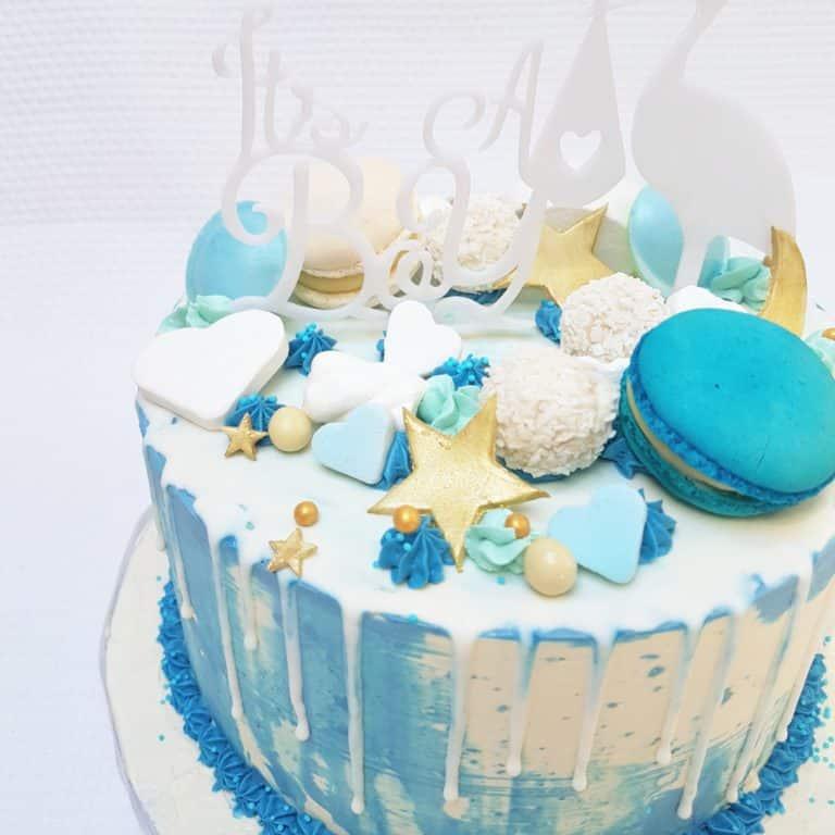 Marbled blue babyshower drip cake