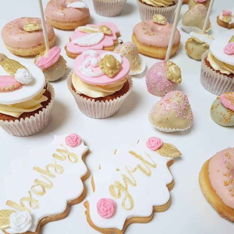 babyshower pink and gold sweets
